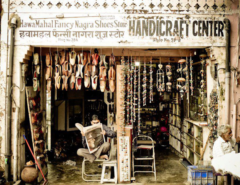 Business-is-slow-for-this-Handicraft-Shoe-Vendor-in-Jaipur1