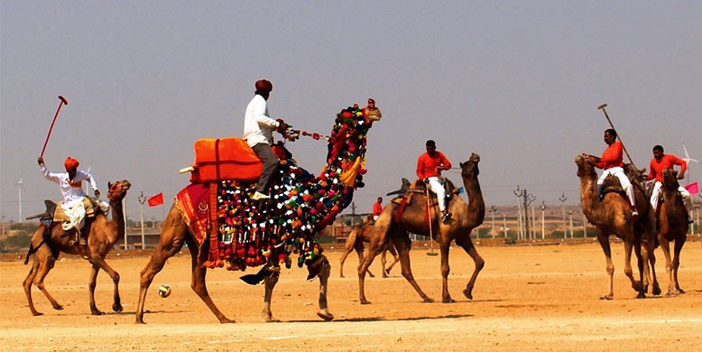 Camel-Polo-in-the-Desert-e1426756308735