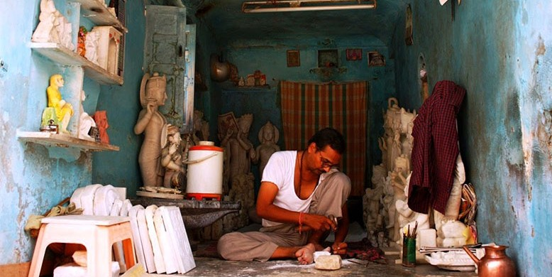 Sculptor-in-the-Walled-City-of-Jaipur-e1426665409442
