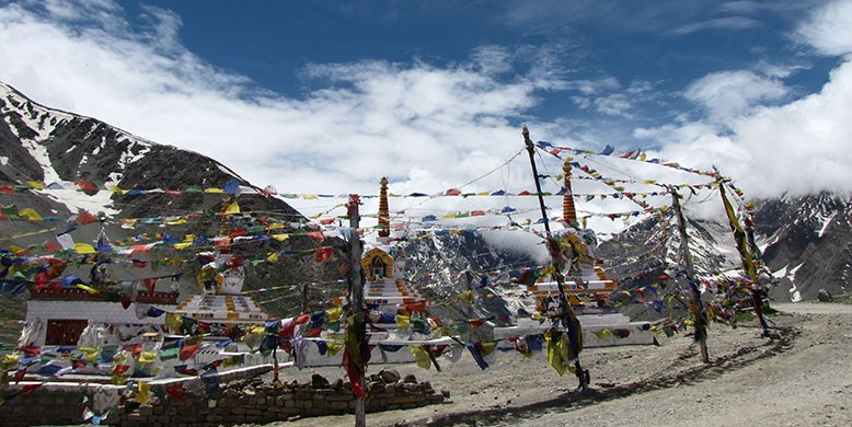 Tibetan-Prayer-flags-Himachal-e1426679262362