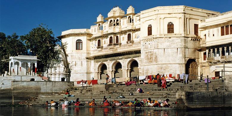 Bathing-Ghats-of-Udaipur