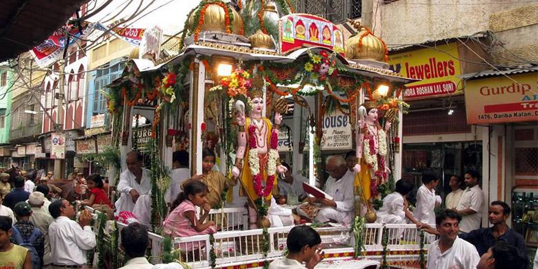 old-delhi-market