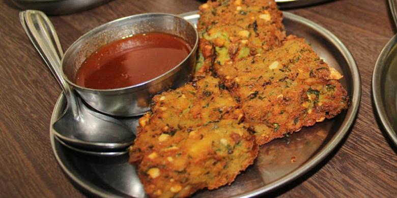 Food-Walk-Ranade-Road-1